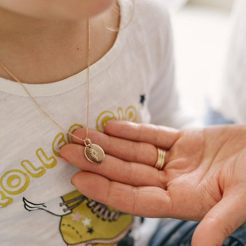 My own illustration necklace rond