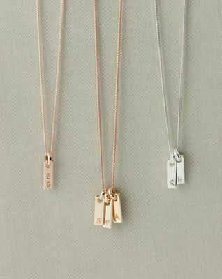 Tiny tag necklace sfeer Gravure